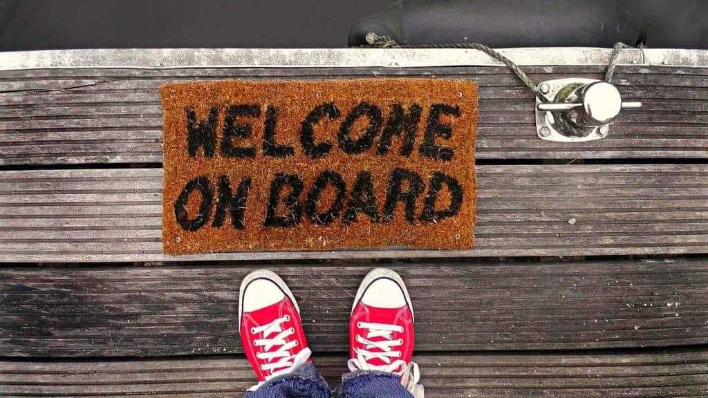 Onboarding Prozess: Der erste Eindruck entscheidet. Heißen Sie neue Mitarbeiter gebührend Willkommen!
