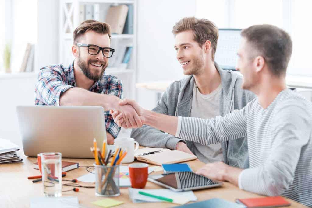 Erfolgreiches Bewerbungsgespräch zu Dritt - Die passenden Mitarbeiter finden